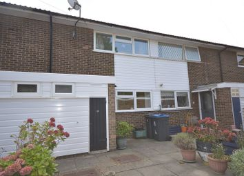 Tedder Close, Chessington, Surrey. KT9. 3 bed terraced house