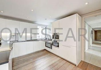 Thumbnail 4 bed property to rent in Merchant Square East, London