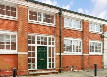 Thumbnail 3 bedroom town house to rent in Peninsula Square, Winchester, Hampshire