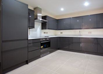 Thumbnail 2 bed flat to rent in Wandsworth High St, Wandsworth