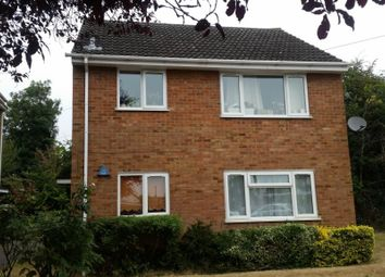 Thumbnail 1 bed flat to rent in Brook Crescent, Burnham, Slough