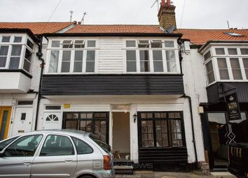 Thumbnail 2 bed flat to rent in Commercial Road, Westcliff-On-Sea