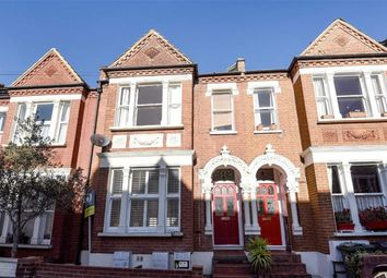 Thumbnail 2 bed flat to rent in Kingscourt Road, London