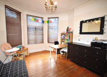 Thumbnail 1 bed flat for sale in Eaton Park Road, Palmers Green