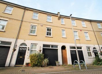 6 bed town house for sale in Monarch Way, Newbury Park IG2