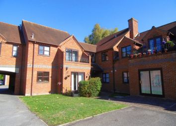 Thumbnail 2 bed flat to rent in Field Gardens, Steventon, Abingdon
