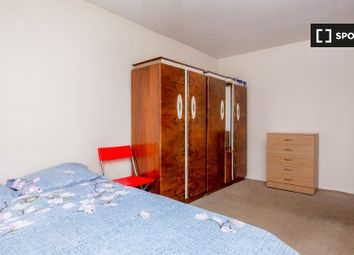 Thumbnail 1 bedroom flat to rent in Glengall Grove, London
