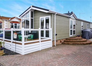 Thumbnail 2 bed mobile/park home for sale in Woodlands Park, Ashford