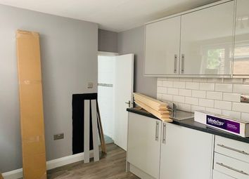 Thumbnail Studio to rent in Warwick Road, West Drayton, Middlesex