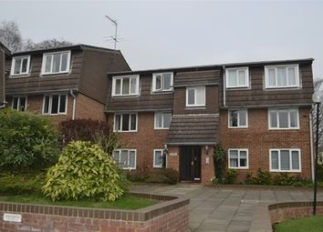 Thumbnail 2 bed flat to rent in Douglas Road, Harpenden