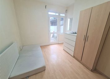 Thumbnail Room to rent in Cooper Road, Dollis Hill