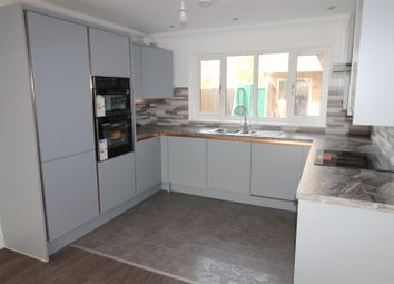2 bed maisonette to rent in Furzehill Road, Borehamwood WD6