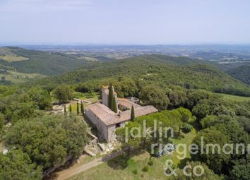 Thumbnail Commercial property for sale in Italy, Tuscany, Siena, San Gimignano.