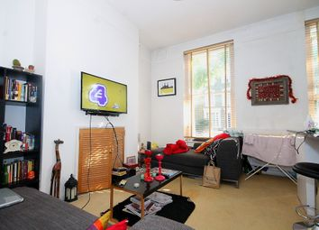 Thumbnail 2 bed flat to rent in Oakley Road, London
