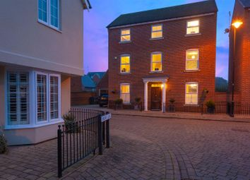 5 bed property for sale in Felstead Crescent, Stansted CM24