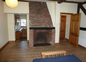 Thumbnail 1 bed flat to rent in Bishops Waltham, Nr. Winchester So32