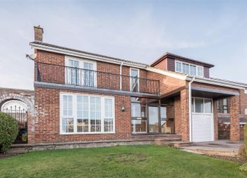 Thumbnail 5 bed detached house for sale in Minden Court, Eaton Ford, St. Neots