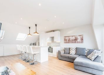2 bed maisonette to rent in Heythorp Street, Southfields, London SW18