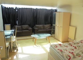 Thumbnail Room to rent in Horne House, Master Gunner Place, Woolwich