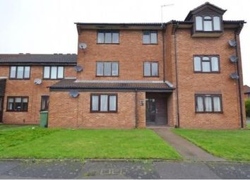 2 bed flat to rent in Circuit Close, Willenhall WV13