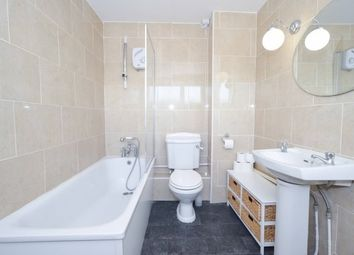 Thumbnail 2 bed flat to rent in Wanstead, London