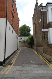 Thumbnail 4 bed flat to rent in Criterion Mews, Archway