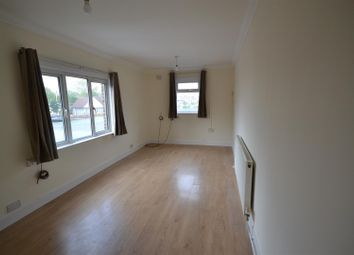 Thumbnail 2 bed flat to rent in New Road, Croxley Green, Rickmansworth