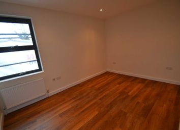 Thumbnail 2 bed flat to rent in Upper High Street, Epsom