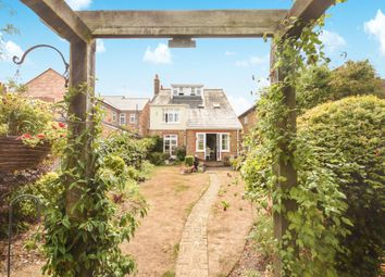 Thumbnail 4 bedroom detached house for sale in Rothesay Avenue, Chelmsford