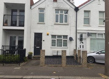 Thumbnail 1 bed flat to rent in Glendale Gardens, Leigh-On-Sea, Essex