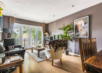 One Tree Place, Station Road, Amersham, Buckinghamshire HP6. 2 bed flat