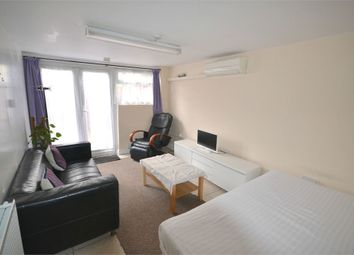 Thumbnail 1 bed flat to rent in Sycamore Avenue, Ealing, London