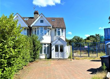 5 bed terraced house to rent in Maxwelton Close, Edgware NW7
