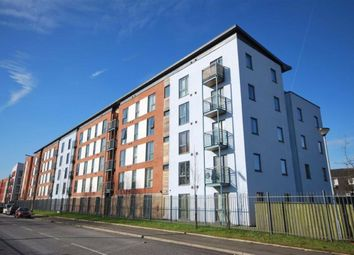 2 bed flat to rent in Quay 5, Salford, Manchester M5
