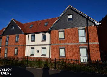 Thumbnail 2 bed flat to rent in Rockingham Road, Newbury