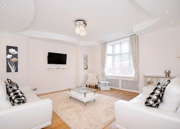 Thumbnail 4 bed flat to rent in Queensway, Bayswater, London