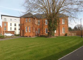 Thumbnail 2 bedroom flat to rent in Longley Road, Chichester