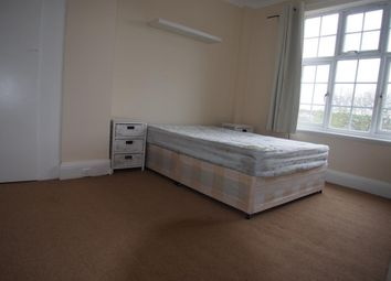Thumbnail 4 bed flat to rent in Hamden Way, Southgate, Enfield