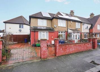 Thumbnail 1 bed detached house to rent in Sycamore Avenue, London