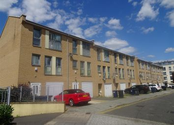 4 bed town house to rent in Cameron Crescent, Burnt Oak, Edgware HA8