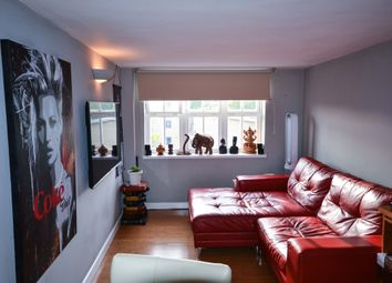 Thumbnail 1 bed flat for sale in Reed Place, Clapham