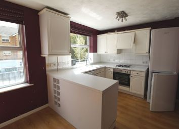 Thumbnail 4 bedroom town house to rent in Swan Mead, Hemel Hempstead