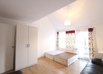 Thumbnail 3 bedroom town house to rent in Burness Close, Roman Way, Islington