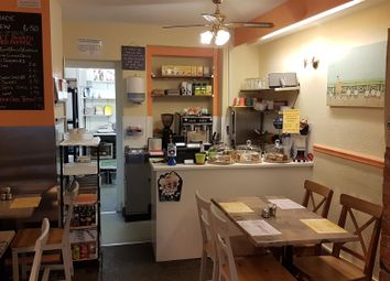 Thumbnail Restaurant/cafe for sale in Cafe & Sandwich Bars DE45, Derbyshire