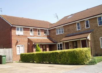 2 bed flat to rent in Burns Place, Tilbury RM18