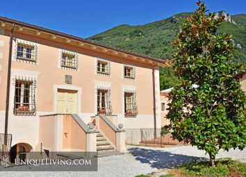 Thumbnail 10 bed villa for sale in Tuscany, Italy