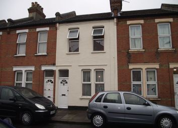 Thumbnail 2 bedroom flat to rent in Fernbrook Avenue, Southend-On-Sea