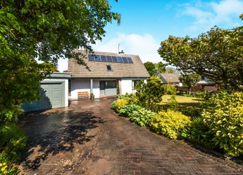 Thumbnail 3 bed detached house for sale in Parkhill Drive, Lochwinnoch