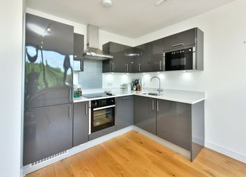 Thumbnail 1 bed flat to rent in Pembroke Road, Muswell Hill