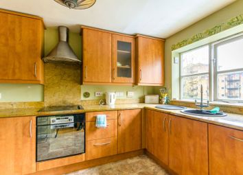 Thumbnail 4 bed property to rent in Radstock Close, Friern Barnet